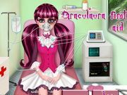 Play Draculaura First Aid Game