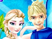 Play Elsa and Jack Moving Togehter Game