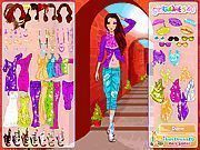 Play Holiday Fashion Dress Up Game